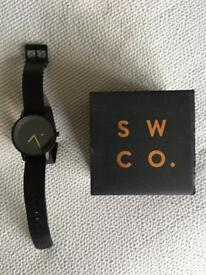 Simple Watch Company Black and Gold watch