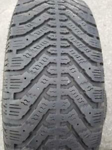 4 PNEUS HIVER GOODYEAR 195 65 15  4 WINTER TIRES