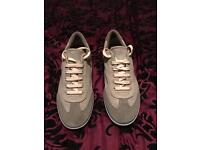 Mens Fred Perry trainers. Size 8