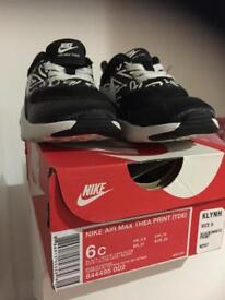 Nike Air Max Thea infant trainers (size 5.5)