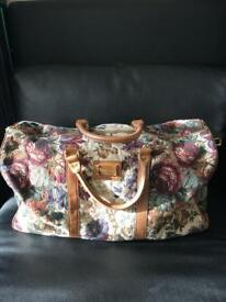 Weekend Mary Poppins Carpet Bag