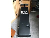 Adjustable abs / sit-up bench