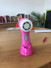 Clarisonic Aria only used a few times (new brush)