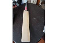 Powerful Cricket Bat Grade A English Wood MB MALIK Stock 2.7 Weight 8 Grains 38 INCH EDGES