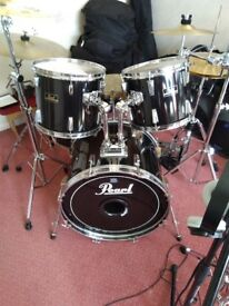 Pearl drum kit