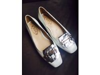 Tod's White Leather Flats EU 35 / UK 3 / US 5 Comfortable and Fashionable Shoes