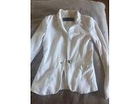 White ZARA blazer XS