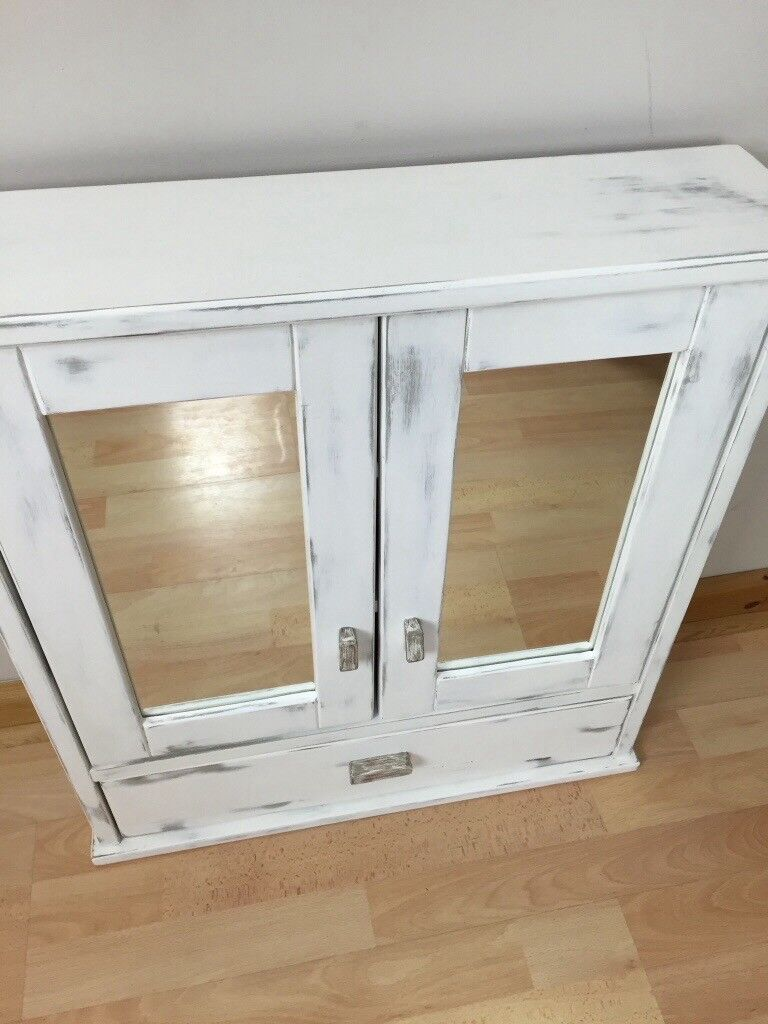 Wall mounted mirror cabinet