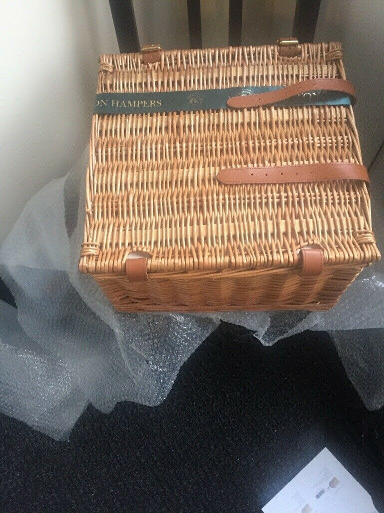 Eton whicker hamper unused