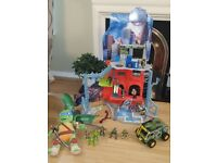 Teenage Ninja Turtle Lair, Van and Figures