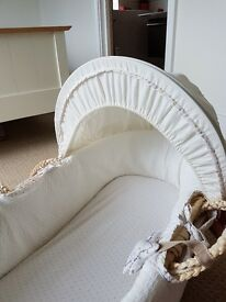 Moses basket with rocking stand (Mothercare)