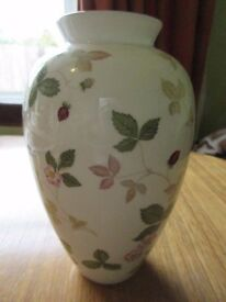 "Wedgwood English China Wild Strawberry 7"" Flower Display Vase"