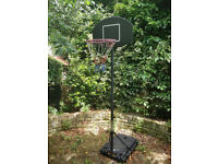 Basketball hoop with adjustable heigh