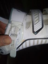 White woman cycling shoes size 5,Bontrager, used but good condition,£30
