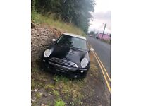 Mini Cooper 05 plate for spares and repairs.
