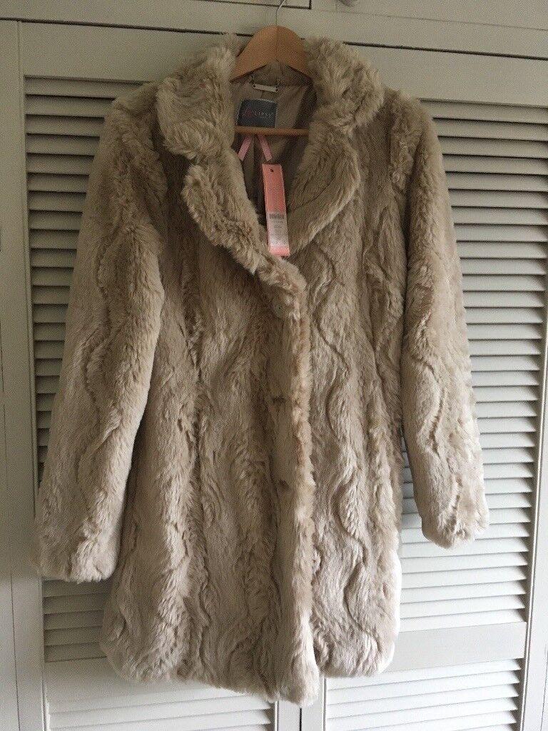 Brand new lipsy faux fur coat