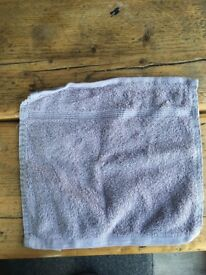 360 (approx) 100% Egyptian cotton hand towels 25cm x 25cm