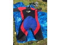 ***MENS LARGE WET SUIT**