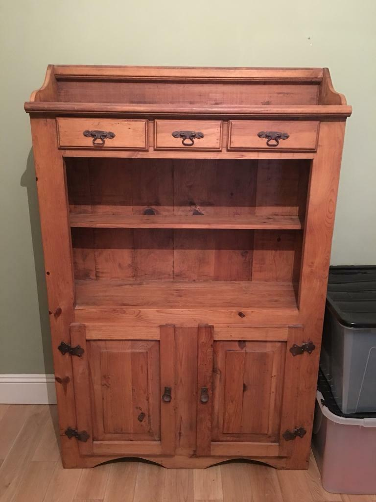 Beautiful Solid Oak Wooden Kitchen Dining Room Dresser Side Board In Excellent Condition