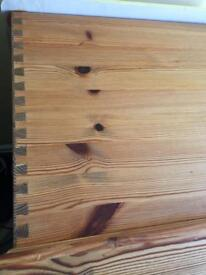 Pine toy box heavy duty dove tailed joints