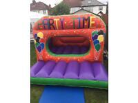 Indoor/Outdoor bouncy castle hire