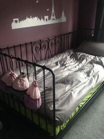 Single bed. High quality metal. See description