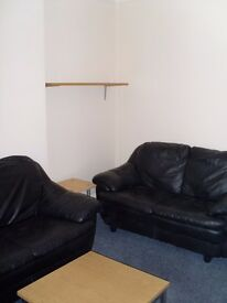 large 4/5 bedroom flat in hendon, ideal for MDX uni student for september, £635.00 Pw