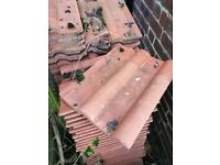 ROOF TILES 200+ FREE TO COLLECT (NEW)