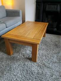 Solid oak coffee table - very good condition