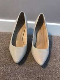 Silver/Gold stilettos size 4