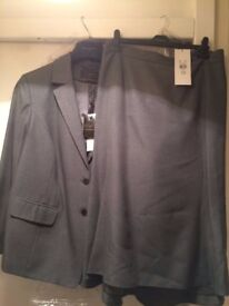 brand new suit plus size 28 bought from ANN HARVEY shop well sought art and new look coat brand new