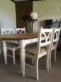 Gorgeous large pine table and 4 chairs