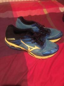 Mizuno running trainers