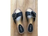 Pincastel chaussures / sandals black size 4 women's outwear
