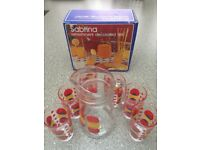 Drinking glasses and jug set