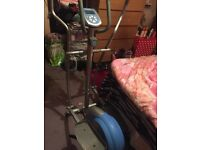 Cross trainer excellent cindition great for a work out has minister on it