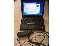 Laptop Lenovo X201 - Intel Core i5 (4x2.40GHz) - 4 GB RAM DDR3 - Hard disk 160GB