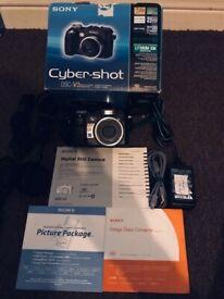 Sony Cybershot DSCV3 7.2MP Digital Camera 4x Optical Zoom (DSC-V3)