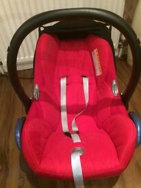 MAXI COZY BABY CAR SEAT FROM BIRTH TO 6 MONTHS