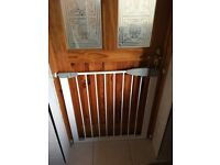 Lindam extendable baby safety gate
