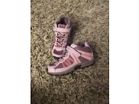 Kids Columbia walking boots - EXCELLENT CONDITION