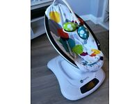 4moms mamaroo fully functioning and cleaned- like new