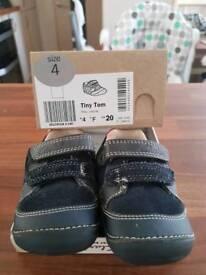 Clarks tiny Tom shoes