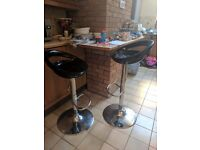 2 bar stools black