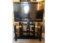 32' LG LCD TV & GLASS STAND