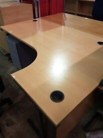 Various office desks / straight desks / curved desks / waved desks
