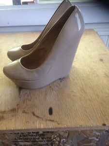Women beige leather wedges NEVER WORN