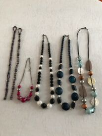 6 x necklaces