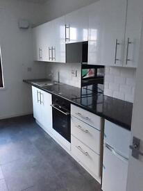 2 bedroom flat with open plan kitchen for rent. Newly renovated. £550 PCM