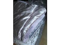Crushed velvet bedthrow silver